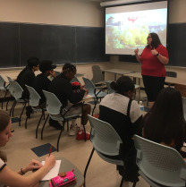 Tricia Stouder in admissions talks with ISU 4U Promise students