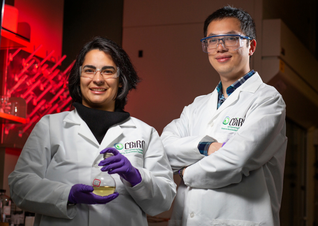 Sanaz Abdolmohammadi, left, and Jiajie Huo work in the Biorenewables Research Laboratory